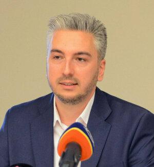 R.Trnka