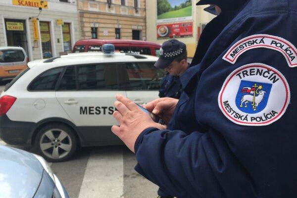 Mestská polícia v Trenčíne.