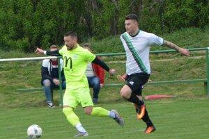 Lapáš lúpil v Jacovciach, dva góly strelil kanonier Michal Béger (vľavo).