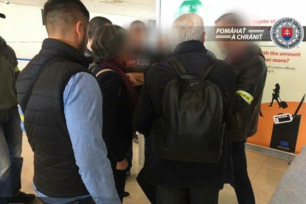 Na letisku v Bratislave zatkli Taliana.
