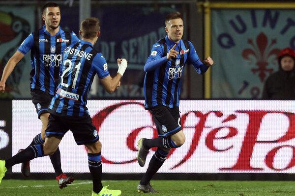 Futbalisti Atalanty Bergamo na ilustračnej fotografii.
