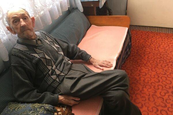 Dedo Miklušek je jeden z najstarších obyvateľov Liesku. Pamätá si naozaj mnoho.