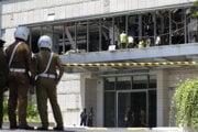 Po výbuchu v hoteli Shangri-la v Kolombe na Srí Lanke. Teroristi útočili ešte na ďalších siedmych miestach.