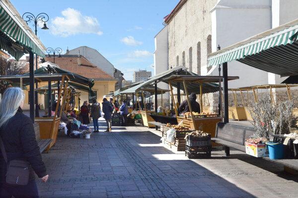 Pľac na Dominikánskom námestí v samom centre Košíc sa v budúcnosti môže stať reprezentatívnym trhoviskom.