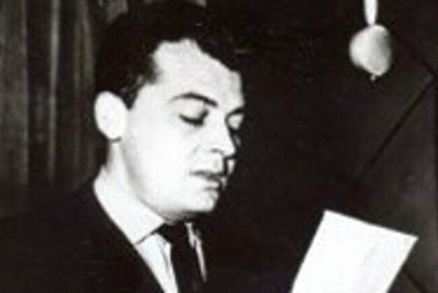 Rozhlasový moderátor aredaktor Viktor Oravec.