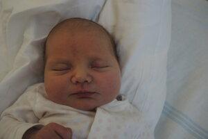 Júlia Kvasnicová (4500 g, 53 cm) sa narodila 12. apríla Kataríne a Mariánovi z Trenčianskych Teplíc.