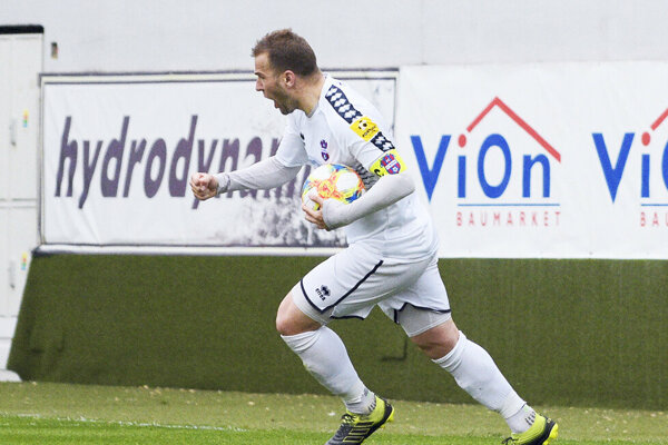 Tomáš Ďubek premenil (jasnú) penaltu a zachránil pre FC ViOn aspoň bod.