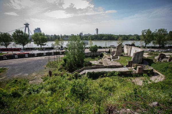 Vodná veža, okolo ktorej vznikne námestie, má byť srdcom novej Vydrice.