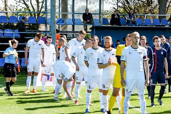Juniori Nitry uhrali remízu na pôde silného Púchova. Vpredu kapitán Lukáš Fabiš, autor jediného gólu.