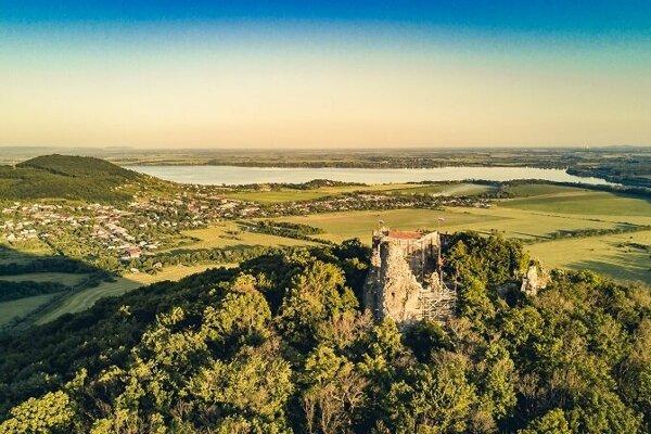 Viniansky hrad a Šírava