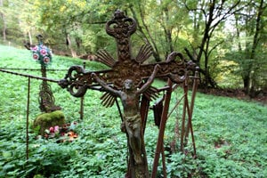 Cintorín začínajú navštevovať pozostalí.
