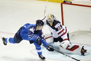 Kaapo Kakko dáva gól v zápase Fínsko - Kanada na MS v hokeji 2019.