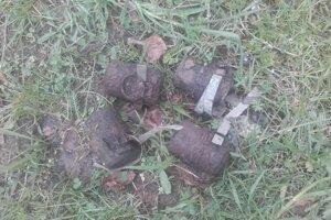 Nález vojnovej munície v horách.