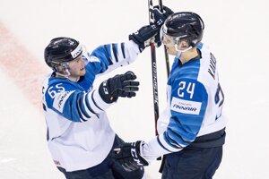 Radosť Fínov po góle do siete Slovenska v zápase na MS v hokeji 2019.