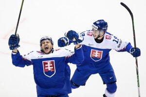 Slovenský obranca Martin Marinčin sa raduje z gólu do siete Fínska v zápase na MS v hokeji 2019.