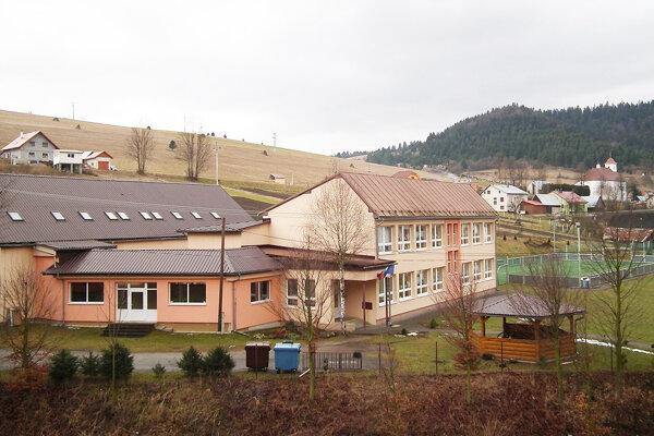 Jedným z miest, kde bude bezplatný internet, je areál základnej školy.