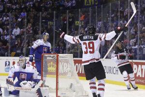 Anthony Mantha (39) oslavuje gól v zápase Slovensko - Kanada na MS v hokeji 2019.