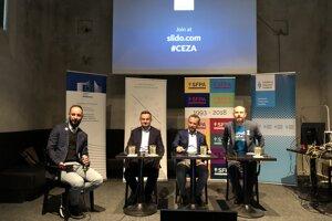 Café Európa: Naozaj slovenskí europoslanci nič nezmôžu? Debata kandidátov do Európskeho parlamentu.