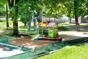 Ďalšie detské ihrisko otvorili vlani v máji. Predchádzal tomu nesúhlas pamiatkarov a snaha mesta ho prelomiť.