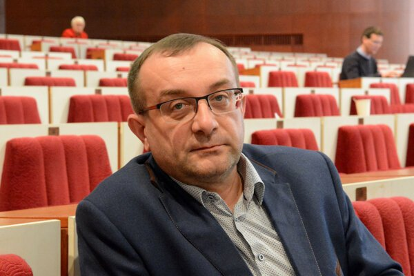 Okresný predseda Smeru vTrebišove Róbert Puci.