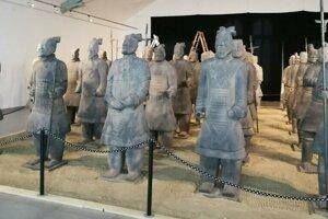 35 čínskych bojovníkov, verné kópie originálu.