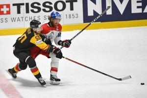 Patrick Hager a Jakub Voráček vo štvrťfinále Česko - Nemecko na MS v hokeji 2019.