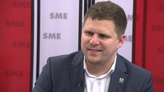Petržalský starosta Hrčka: Aj riaditeľky priznávajú, že sa prijíma po známostiach (video)