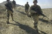 Americkí vojaci neďaleko vojenskej základne v afganskom Bagrame.