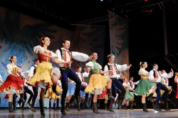 Festival otvorí Lúčnica.