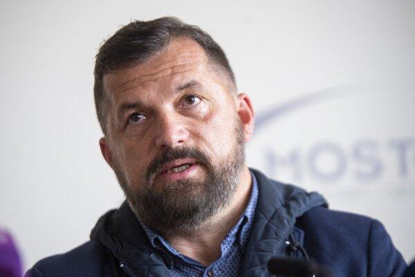 Na snímke poslanec Európskeho parlamentu a líder kandidátky za stranu Most - Híd József Nagy.