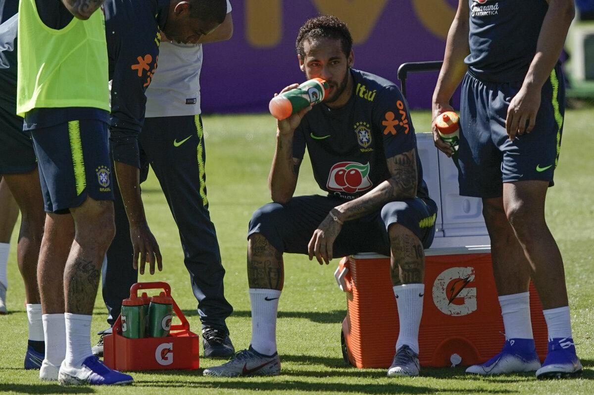 c9d4fd01f660a Brazílsky futbalista Neymar počas tréningu reprezentácie pred Copa América  2019.