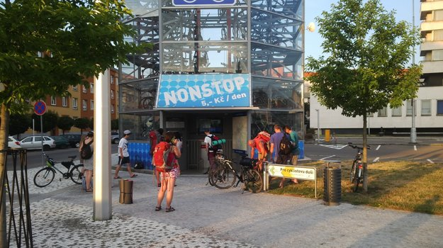 Parkovanie v cykloveži stojí 5 korún na deň.