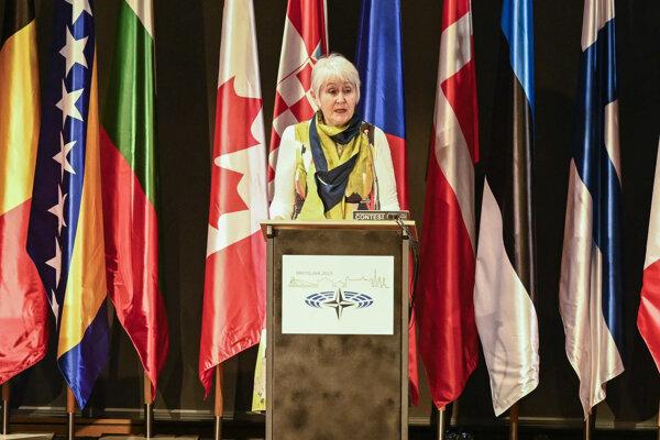 Predsedníčka Parlamentného zhromaždenia (PZ) NATO Madeleine Moonová.