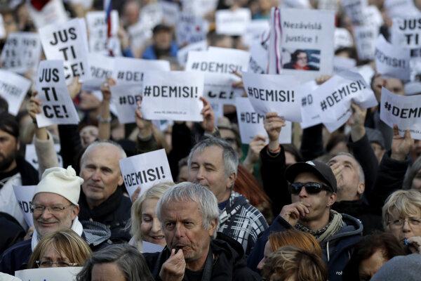Demonštrácie proti Babišovi trvajú už od konca apríla.