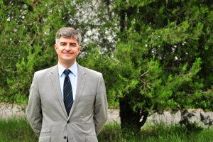 Profesor Yuri Gogotsi bol súčasťou tímu, ktorý objavil MXény, novú rodinu dvojrozmerných materiálov na báze karbonitridov prechodných kovov.