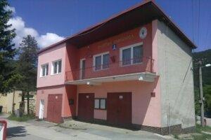 Hasičská zbrojnica v Brodne má po rekonštrukcii novú strechu.