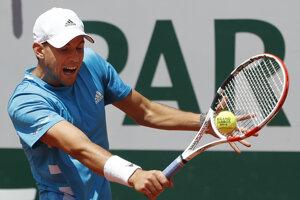 Dominic Thiem vo štvrťfinálovom zápase na Roland Garros 2019.