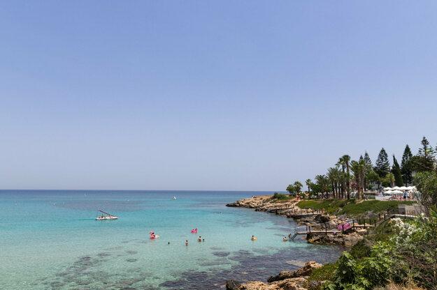 Dovolenkovať na Cypre možno za necelé 3 hodiny letu.
