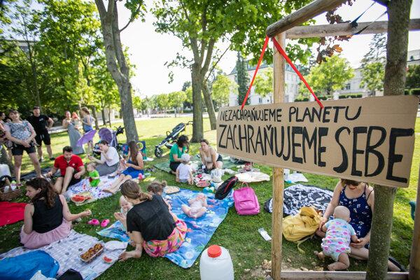 Atmosféra počas podujatia s názvom Klimatický piknik.
