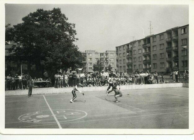 Hokejbalová liga v Pezinku