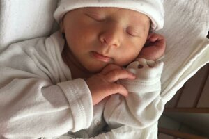 Júlia Závodná (2200 g, 46 cm) sa narodila 24. mája Silvii a Matúšovi z Brezovej pod Bradlom.
