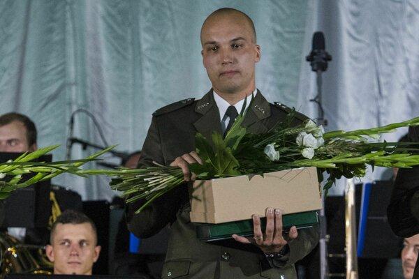 Držiteľ ceny v kategórii Záchrana života Lukáš Kucharčík počas odovzdávania cien Vojenský čin roka 2018.
