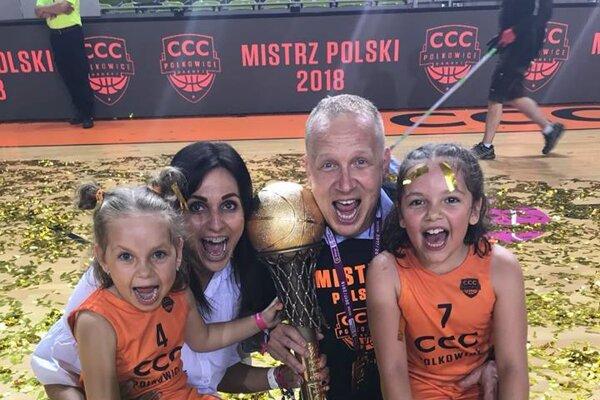 Úspechy v Poľsku si M. Kováčik užíva spolu s rodinkou.