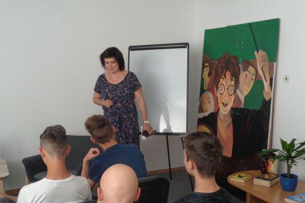 Galantskú knižnicu vedie Lívia Koleková.