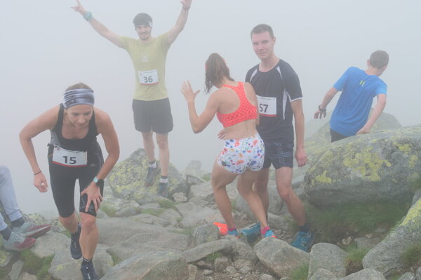 Na vrchole Chopku bola hustá hmla.