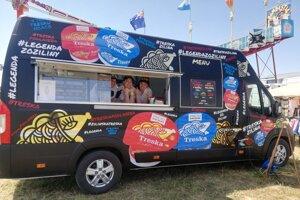 Pojazdný Treska Bar sa vydáva na cesty po festivaloch.