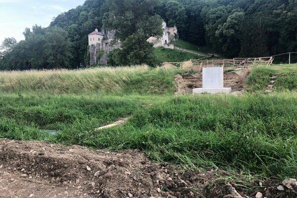 Budúci cyklomost pod kláštorom Veľká Skalka.