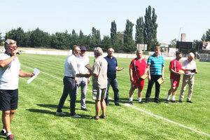 Vo Vrábľoch sa oslavovala storočnica futbalu, ocenené boli osobnosti z histórie.