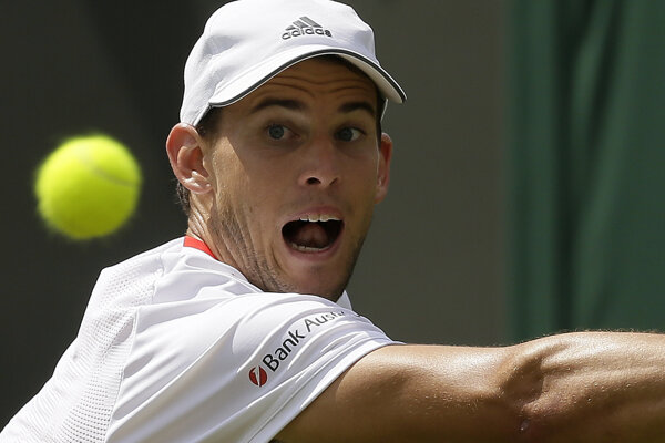 Dominic Thiem končí už v prvom kole Wimbledonu 2019.