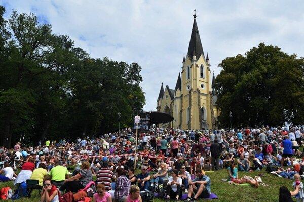 Na Mariánsku púť do Levoče zavíta každoročne veľké množstvo veriacich.